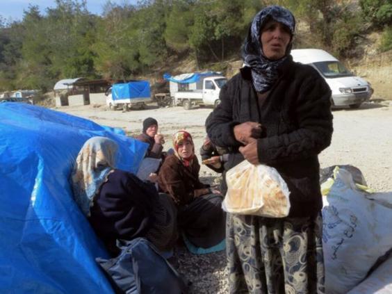 syrian-refugees-turkish-border-2.jpg