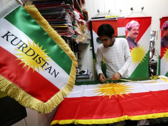 31-kurdish-flag-afp.jpg