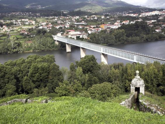 Spain-Portugal-border.jpg
