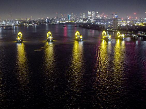 Lukcy-Man-Thames-2.jpg