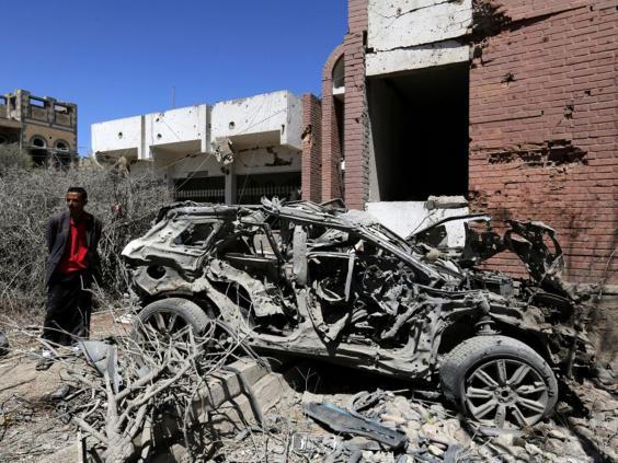 Yemen-market-air-strike2.jpg