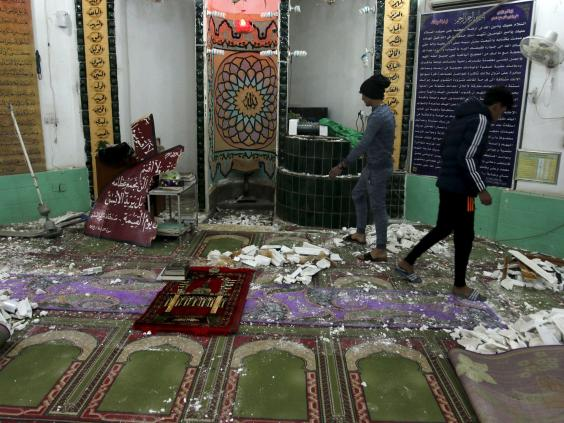 24-Shi'ite-mosque-Reuters.jpg