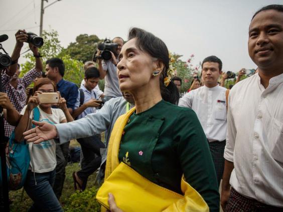 34-Aung-San-Suu-Kyi-get.jpg