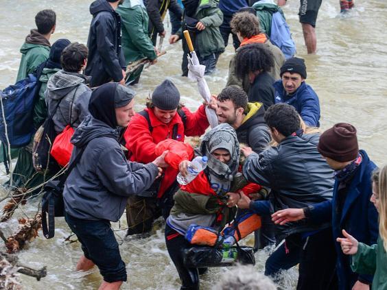 macedonia-refugees-epa2.jpg