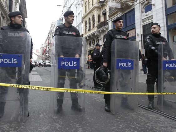 Istanbul-explosion-10.jpg