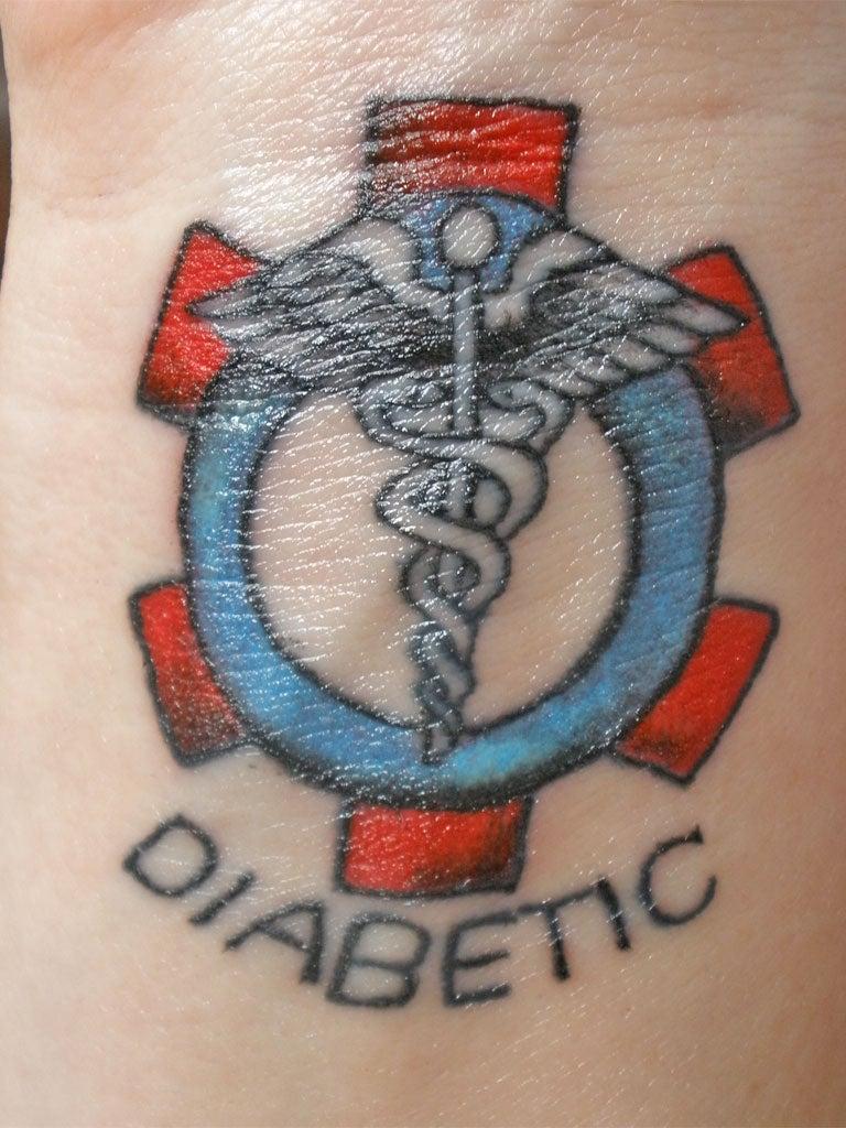 Физкультуры из за татуировки