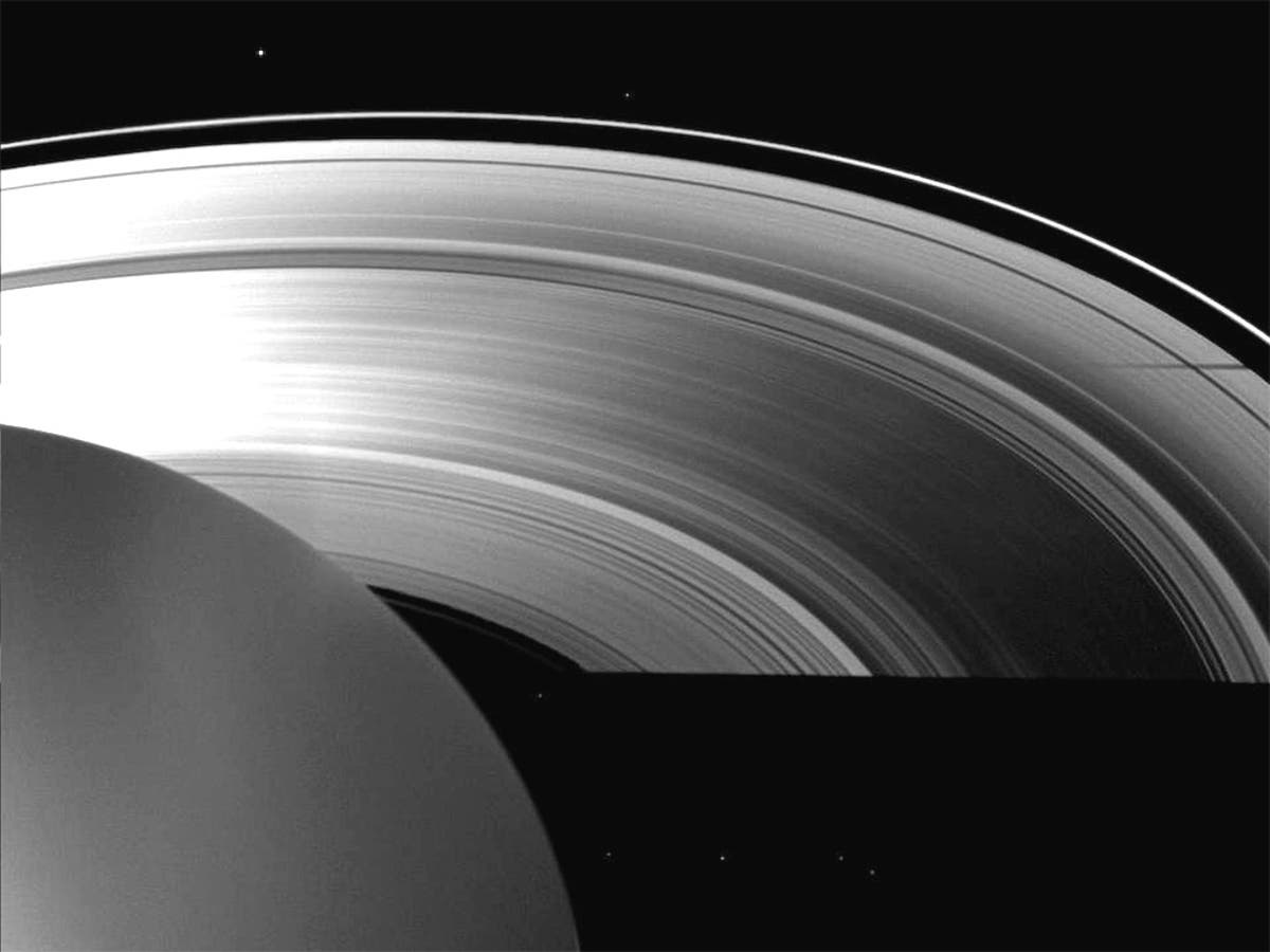 Saturn has a core of 'sludge' so powerful it moves the planet's rings