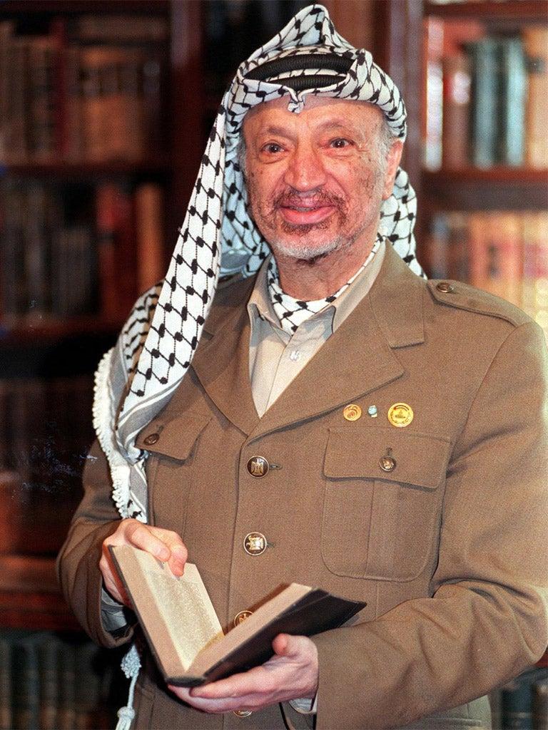 an essay on yasser arafat and the palestinian liberation organization 1974/11/13 mohammed abdel-raouf arafat al-qudwa al-husseini (1929-2004), (محمد عبد الرؤوف القدوة الحسيني), popularly known as yaser arafat (arabic: ياسر عرفات ), was chairman of the palestine liberation organization (plo) (1969–2004) and president of the palestinian.