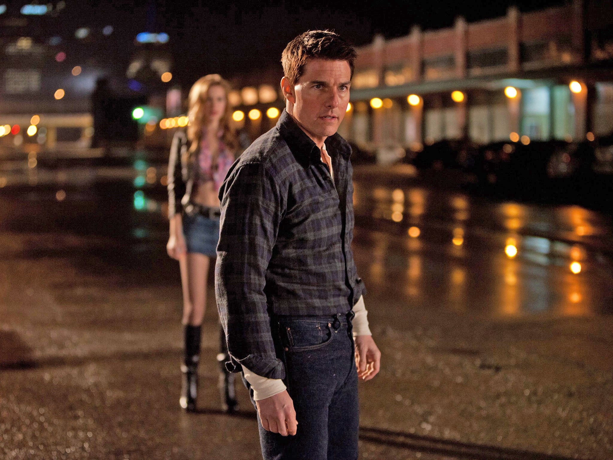 Film review: Tom Cruise walks tall as Lee Child's ...