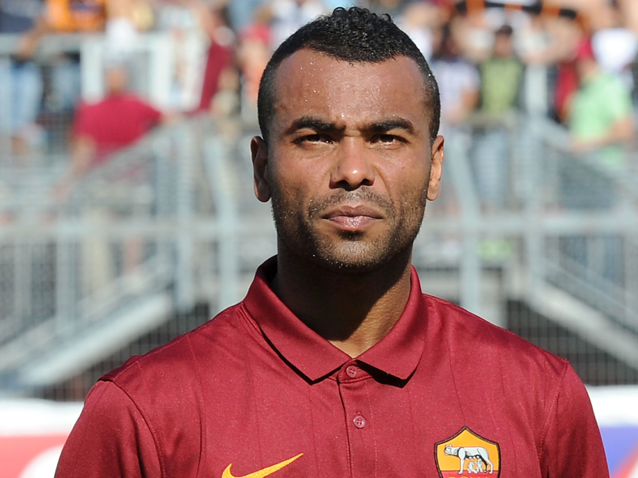 Ashley Cole: Former Chelsea player in awkward picture with new Roma team-mates   European   Sport   The Independent - ashley-cole