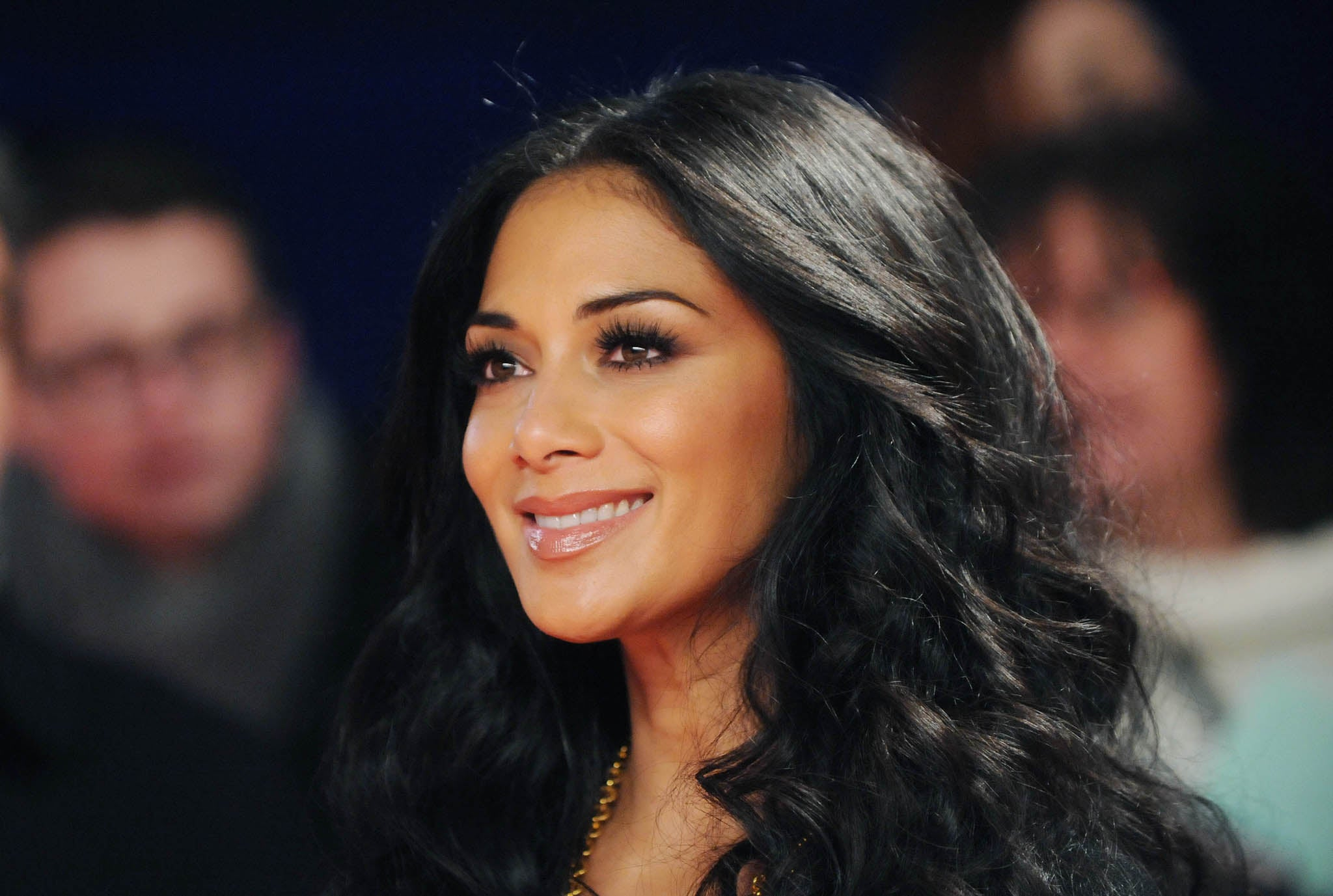 Who is Nicole Scherzinger dating Nicole Scherzinger