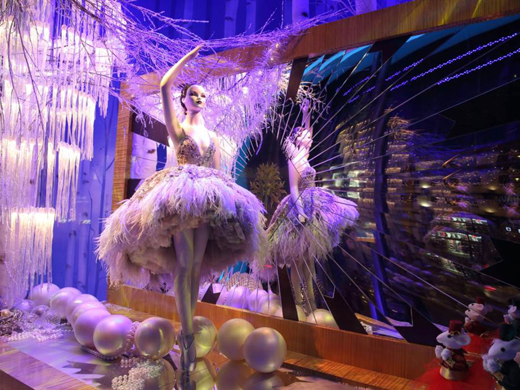 #341FAC Harrods Launches Christmas Window Displays And First  6443 decoration noel londres 2016 2048x1536 px @ aertt.com
