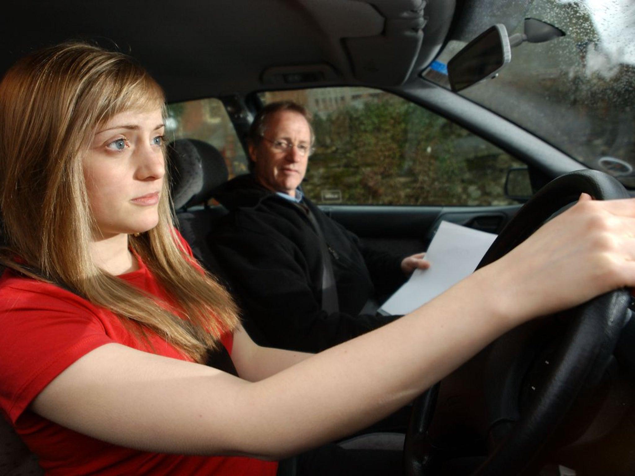 Смотреть порно с инструкторам по вождению 22 фотография