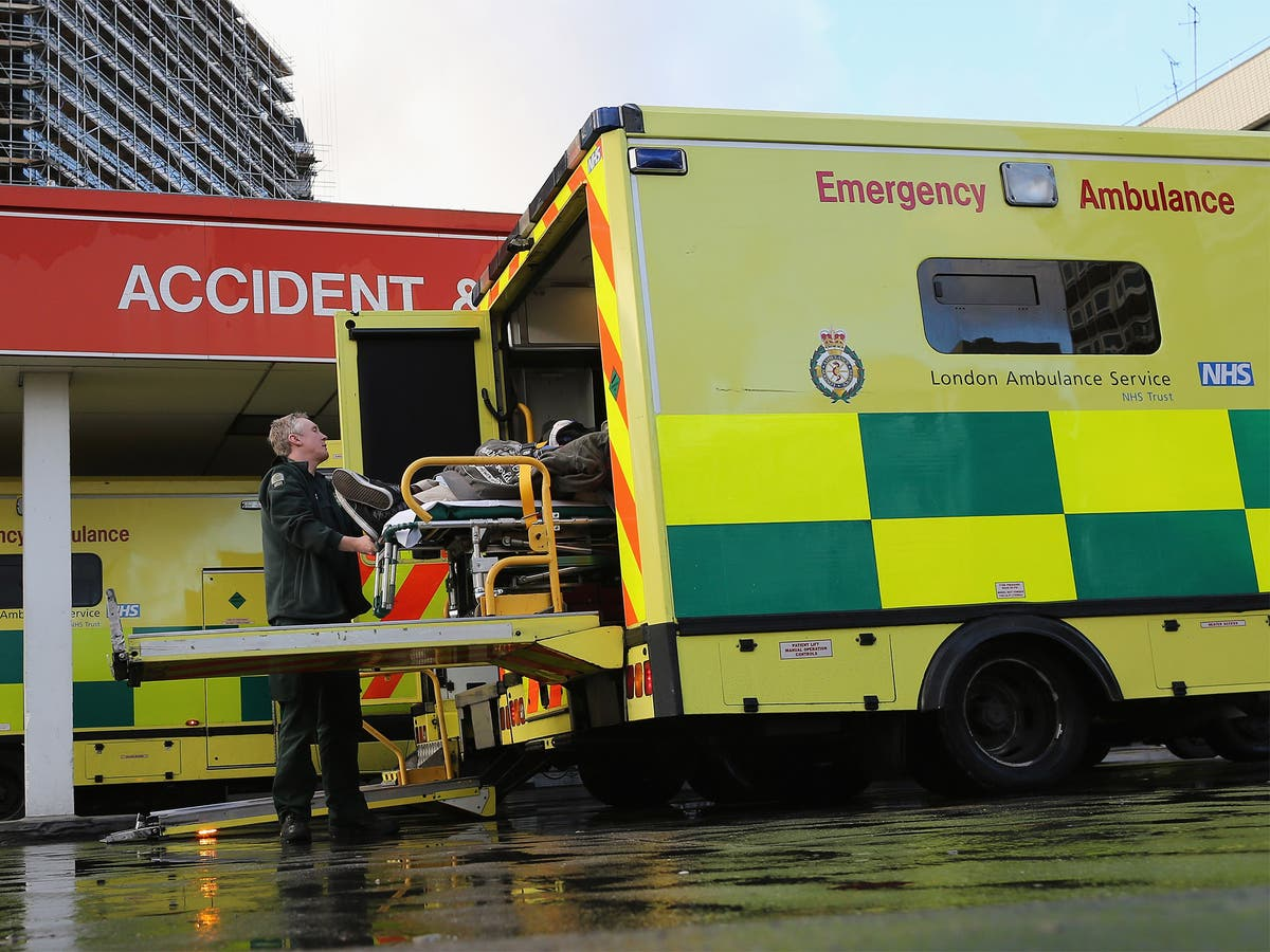 Winter crisis fears prompt new NHS  'surge' contract to free up hospital beds