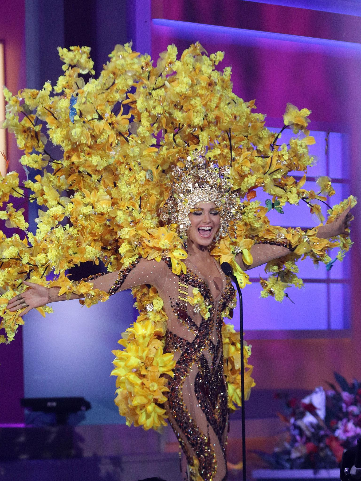 Miss Universe 2015 A Beefeater A Yellow Tree And An