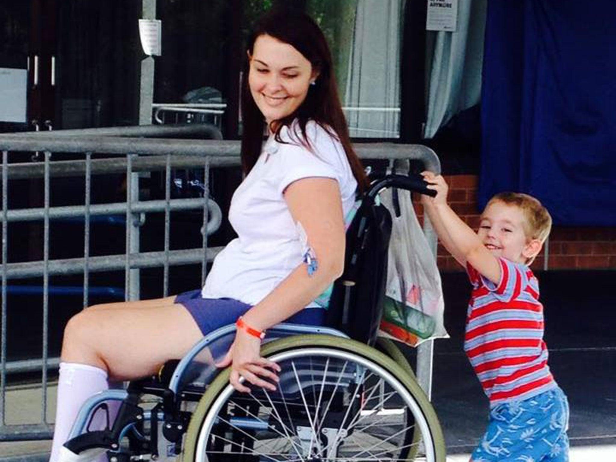 Секс в инвалидных колясках 25 фотография