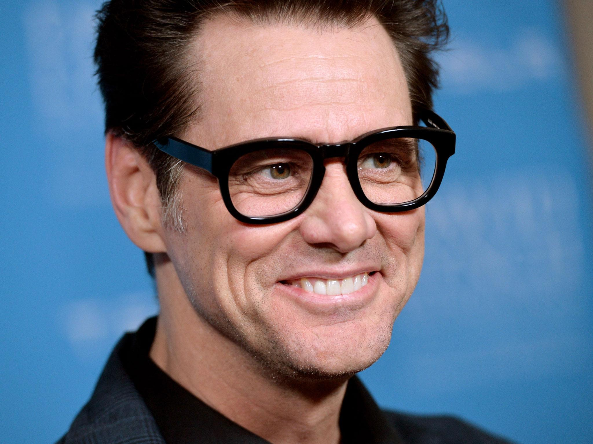 Jim Carrey apologises ... Jim Carrey