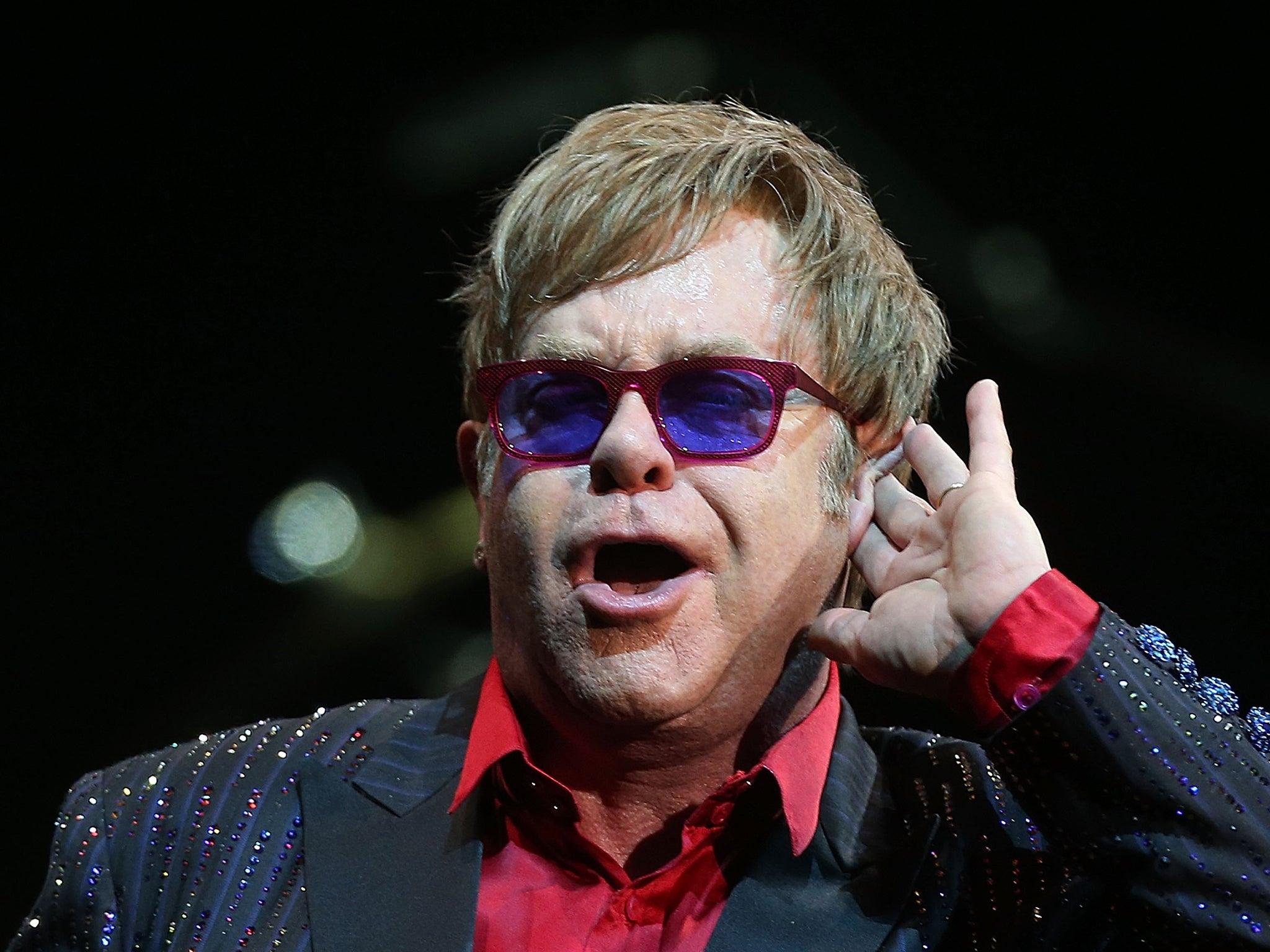 Elton John slams Venic...