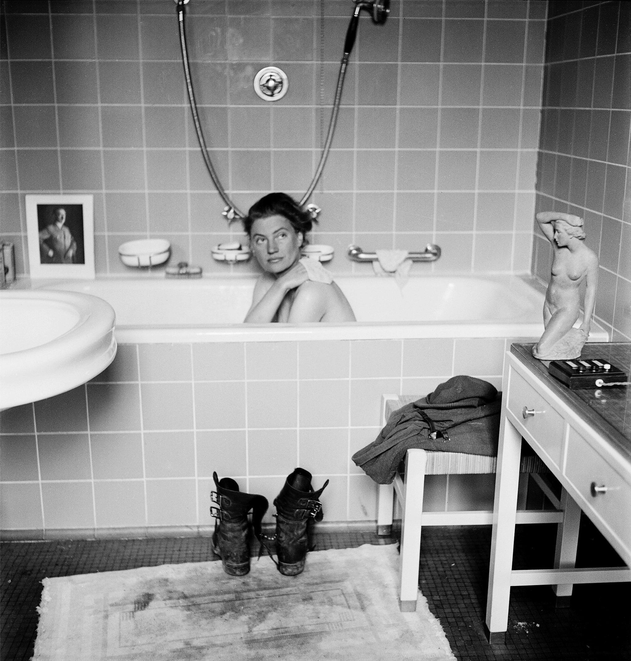 Фото голая девочка в ванной 6 фотография