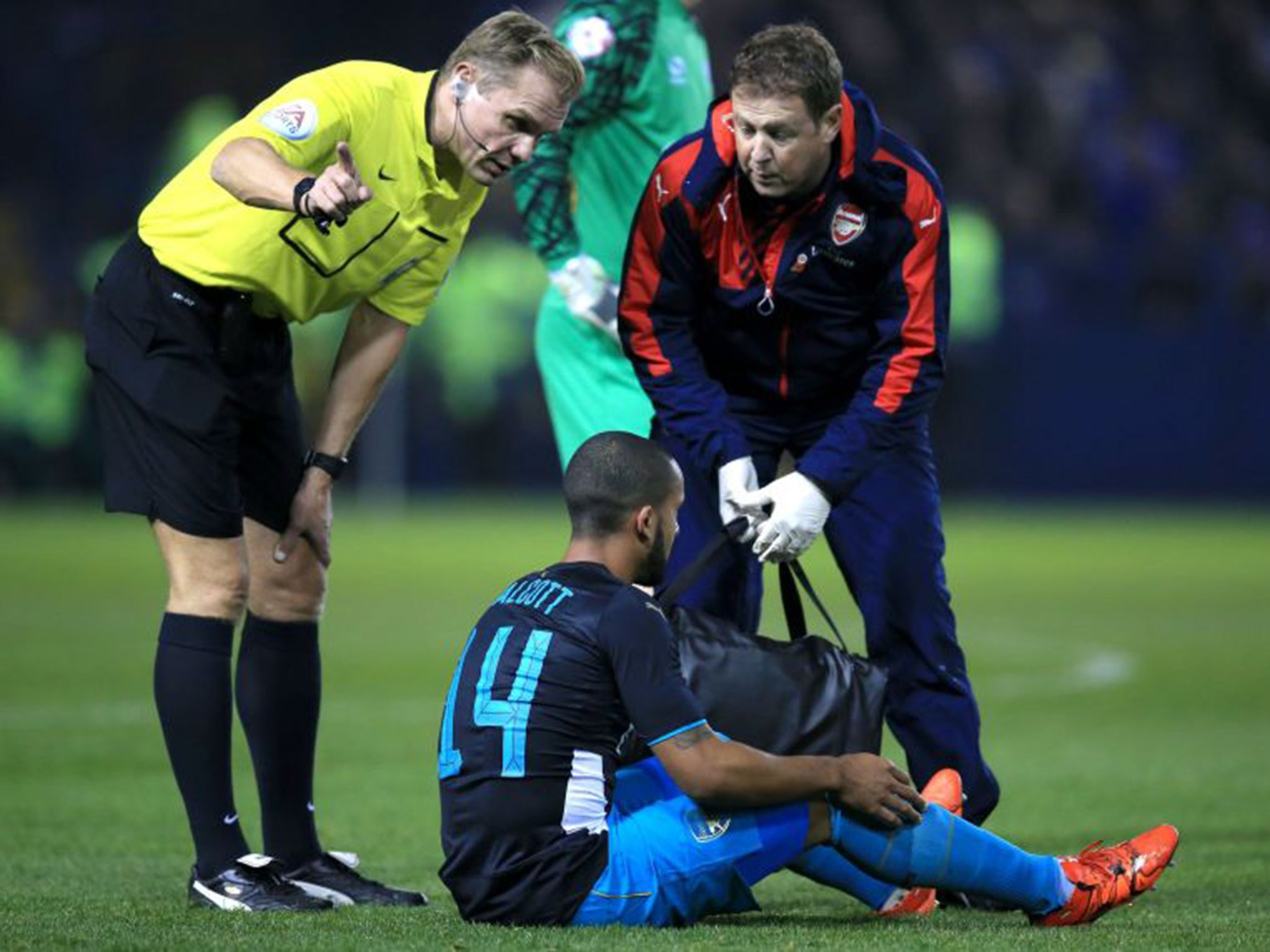 Arsenal injury news: Theo Walcott and Alex Oxlade-Chamberlain to miss crucial games against Tottenham and Bayern Munich