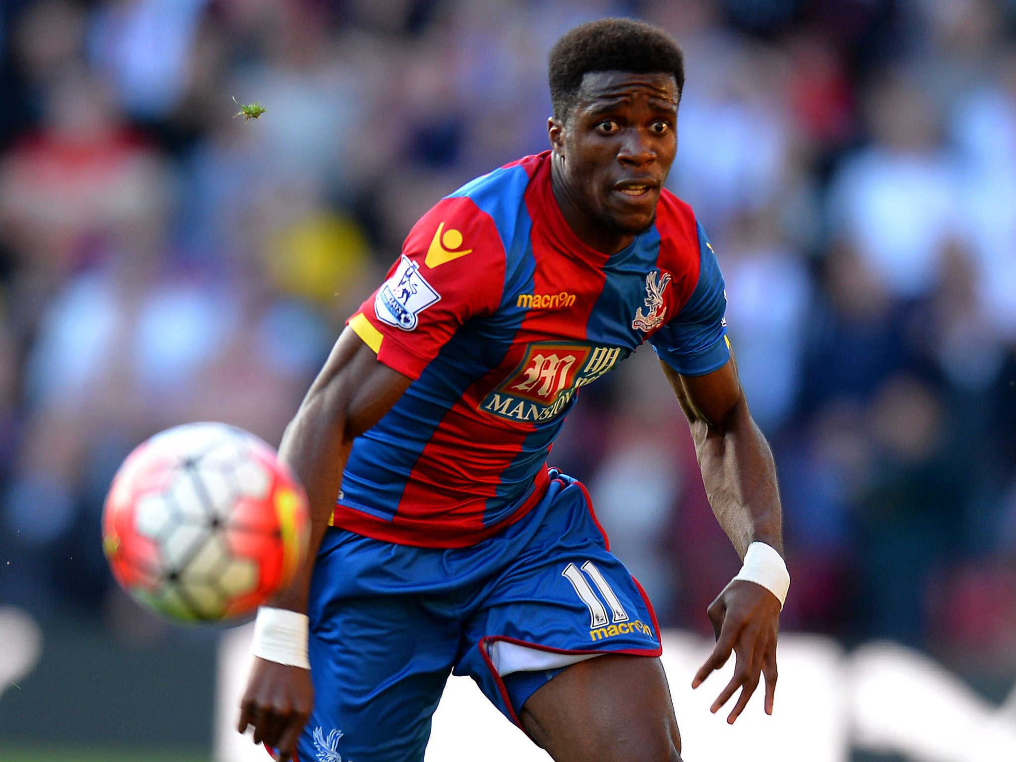 wilfried zaha doing his best to give back by donating 10 of his