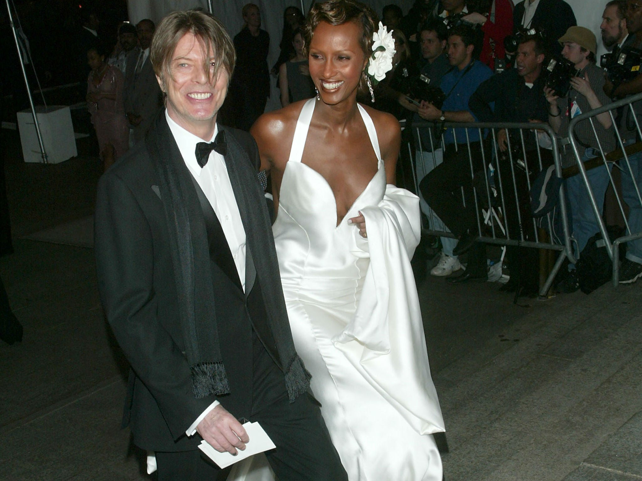 david bowie dead iman dedicates instagram page to her husband in his final days people news. Black Bedroom Furniture Sets. Home Design Ideas