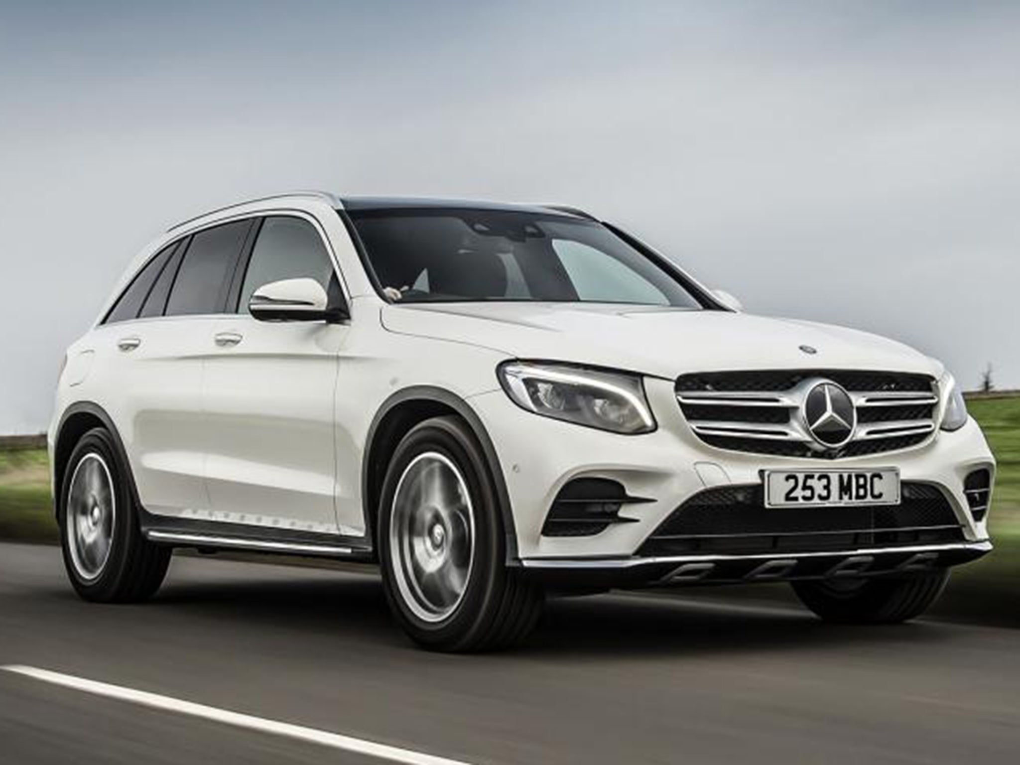 mercedes glc 250d 4matic amg line car review stylish suv takes aim at bmw x3. Black Bedroom Furniture Sets. Home Design Ideas