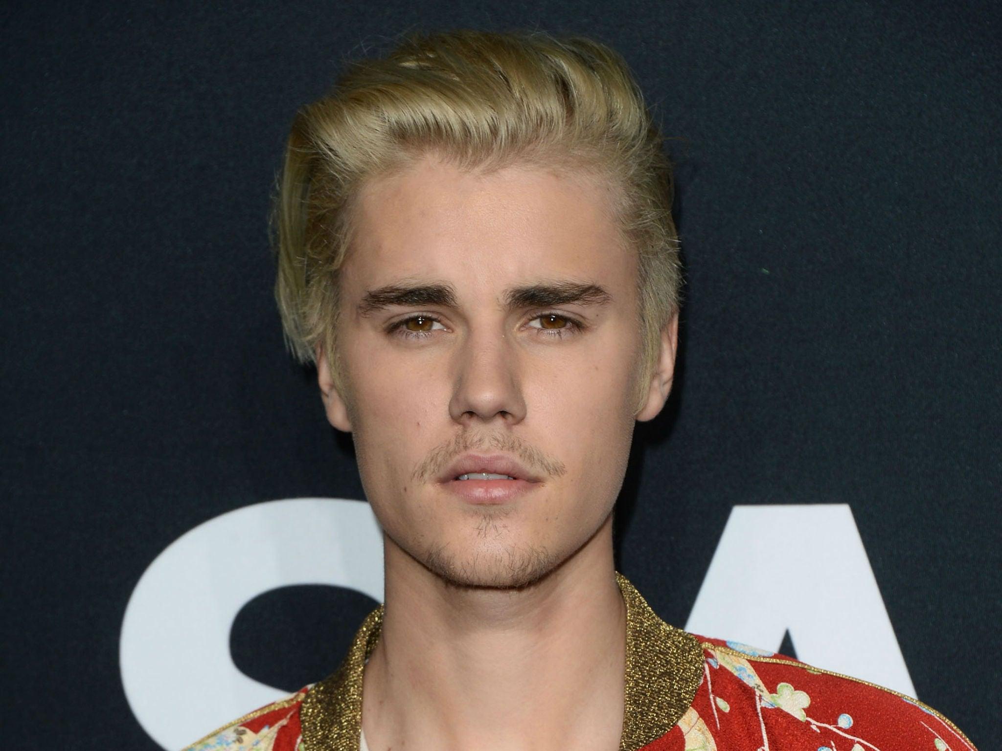 Джастин бибер фото новая причёска