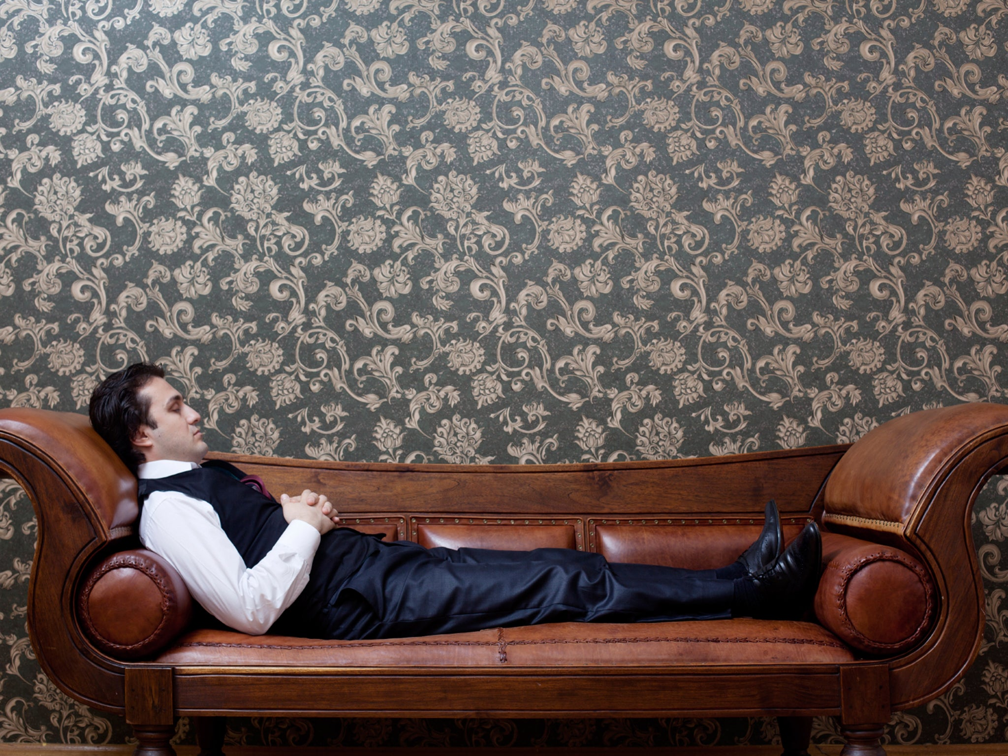 Why do people lie on a couch when they see a psychoanalyst ...