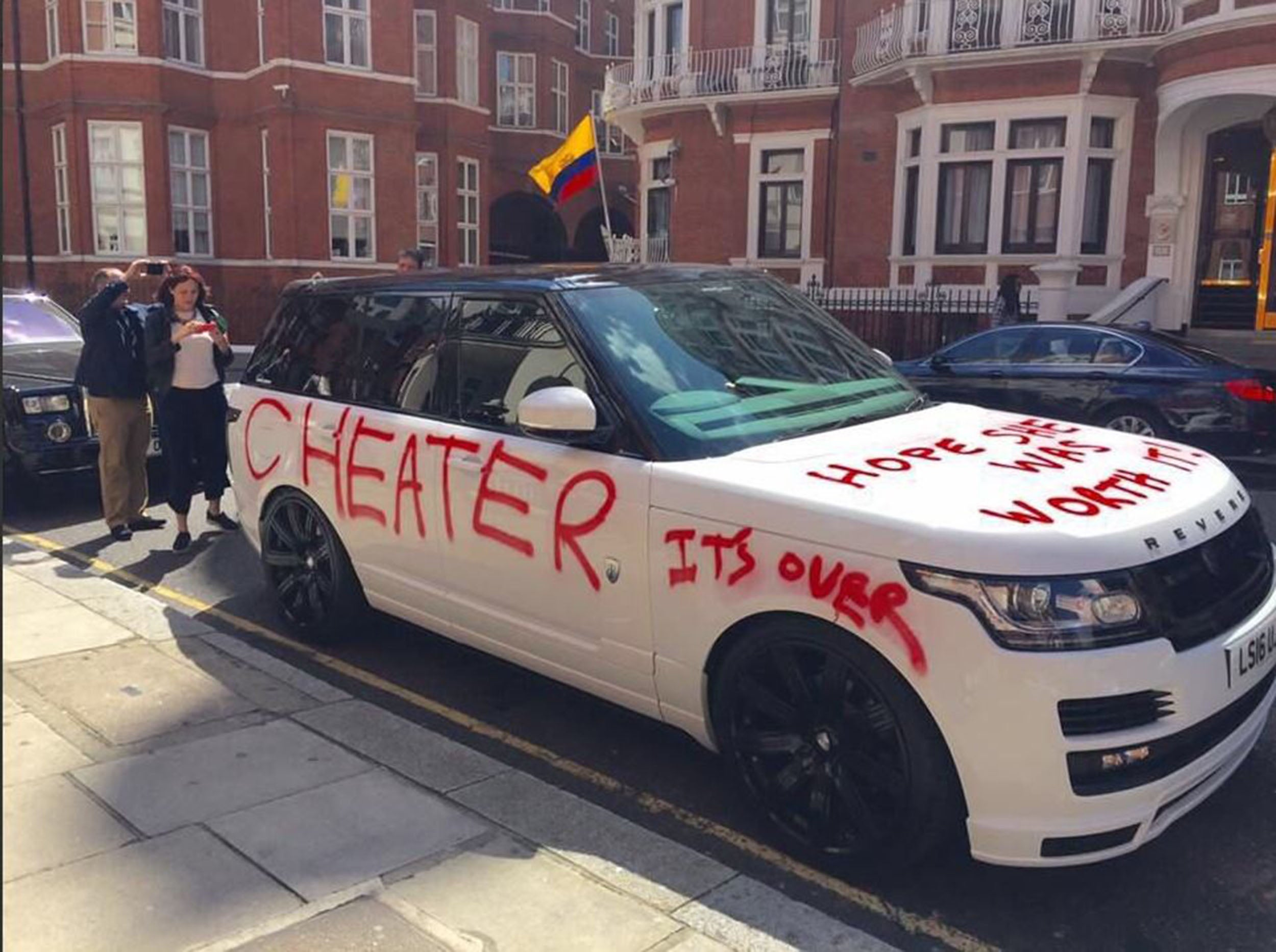 cheater 39 car outside harrods is probably a publicity stunt uk. Black Bedroom Furniture Sets. Home Design Ideas