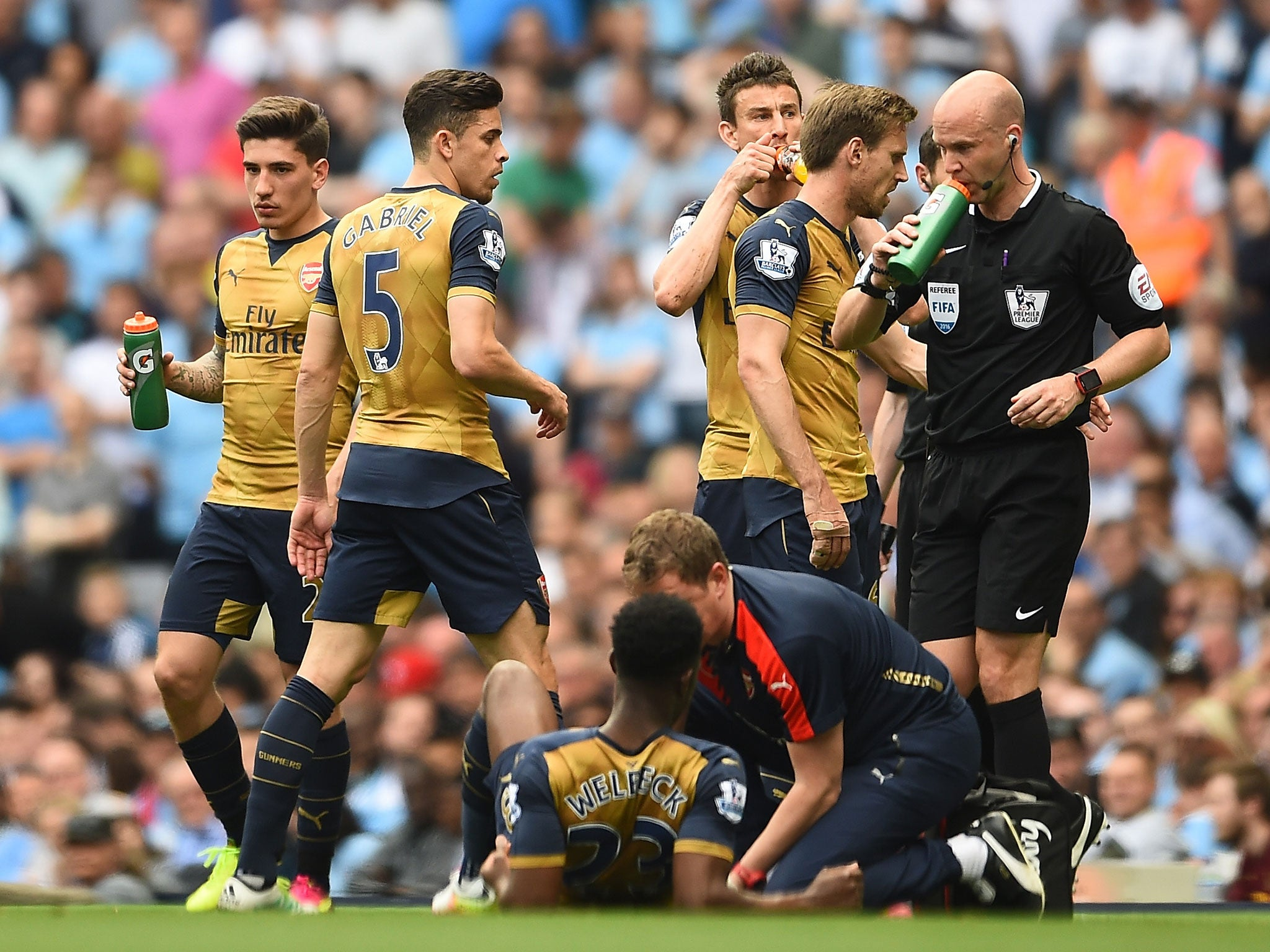 Danny Welbeck injury: Arsenal striker could miss Euro 2016 after suffering knee injury against Manchester City