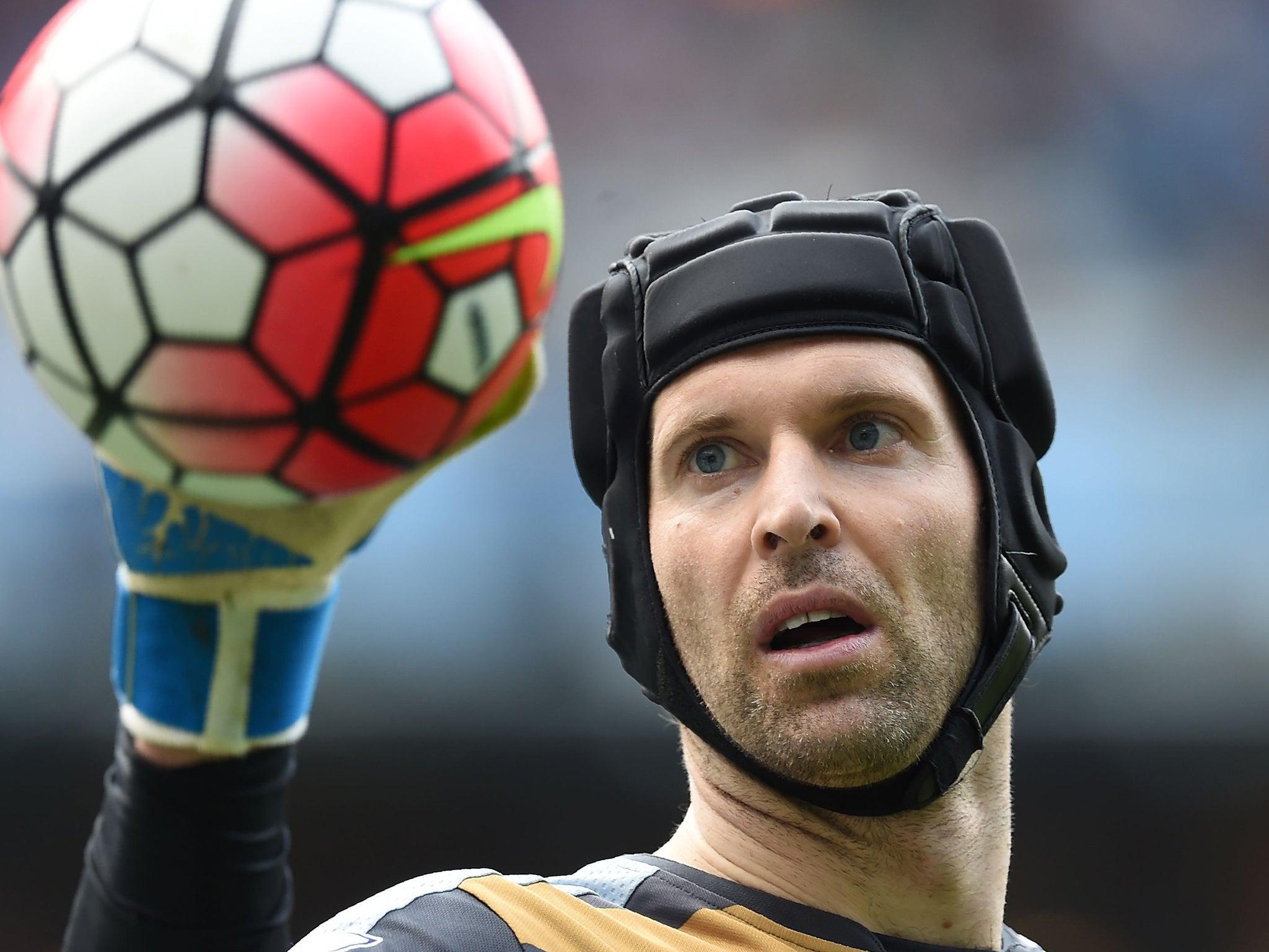 Petr Cech: Arsenal goalkeeper wins Premier League Golden Glove award ahead of David De Gea