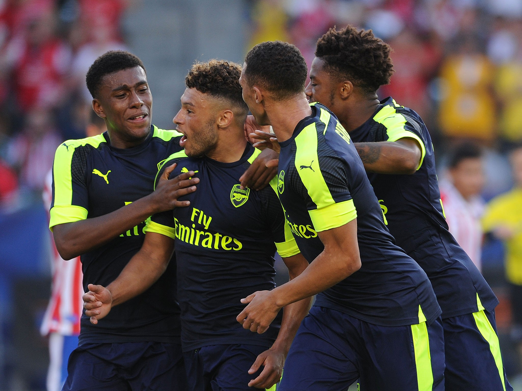 Arsenal news: Arsene Wenger challenges Alex Oxlade-Chamberlain to reach potential in new season