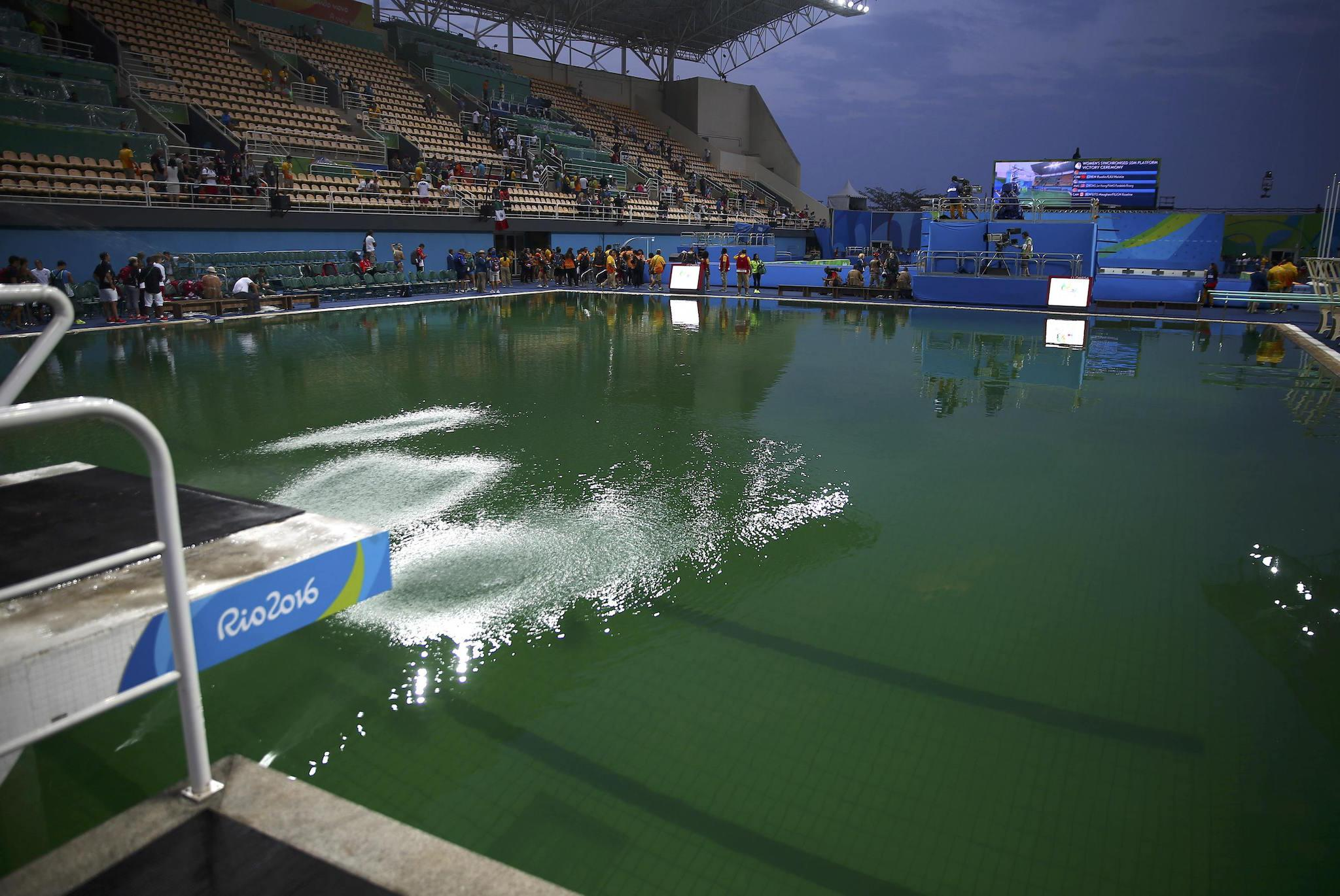 Rio 2016 Green Olympic Diving Pool Is Safe Say Officials But Experts Wouldn T Swim In It