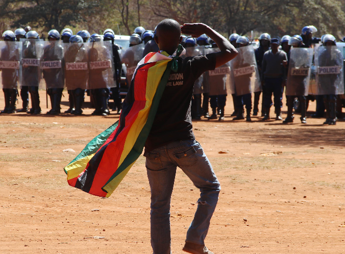 Zimbabwe protests: Mugabe says there will be no 'Arab Spring' amid violent clashes