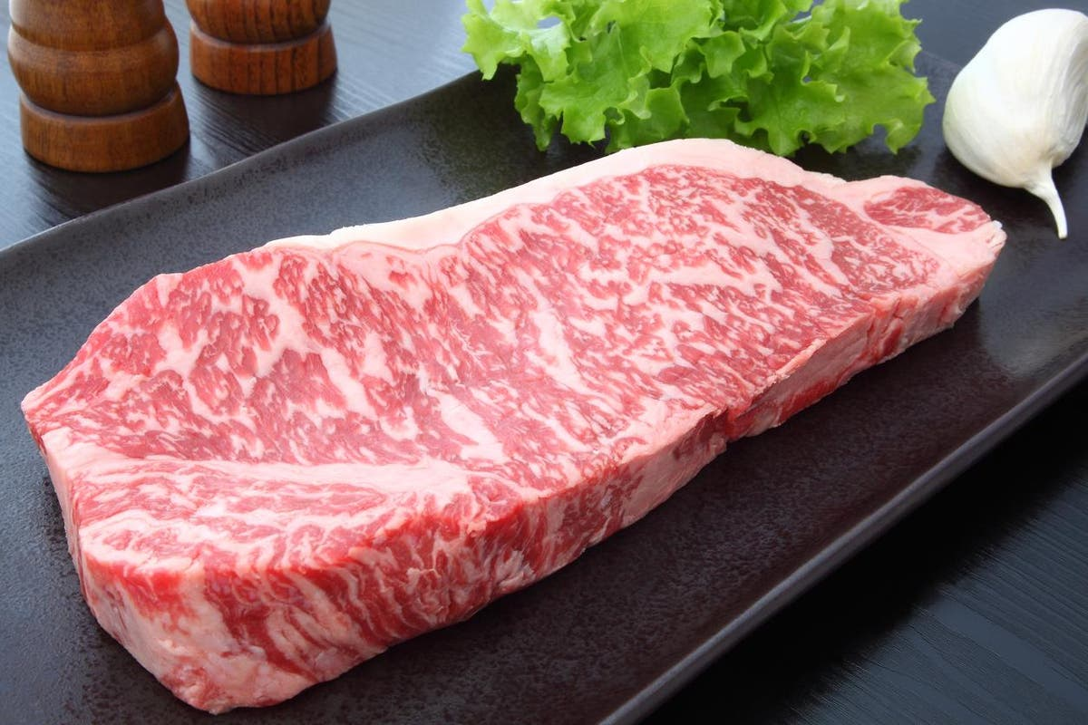 Scientists use 3D printing to create synthetic beef from $30,000 cow cells