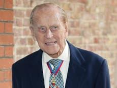 """Família real """"sortuda"""" por ter Filipe por quase um século, diz Charles"""