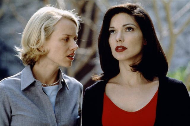 Trust David Lynch to create a highly-charged sex scene that inevitably only becomes part of the web created to deceive and befuddle us. Rita (Laura Harring) and Betty (ナオミ・ワッツ) may consummate their bubbling affections for each other in a sensuous, dreamlike manner - but who is Rita in this moment? Who is Betty? Is this encounter real or imagined?  This moment of lush, Hollywood perfection only creates the set up for Mulholland Drive's earth-shattering twist. Betty is now Diane, and her own sexual experience couldn't be any more different: a tear-soaked, anguished masturbation scene that seems exemplary of her own broken soul.