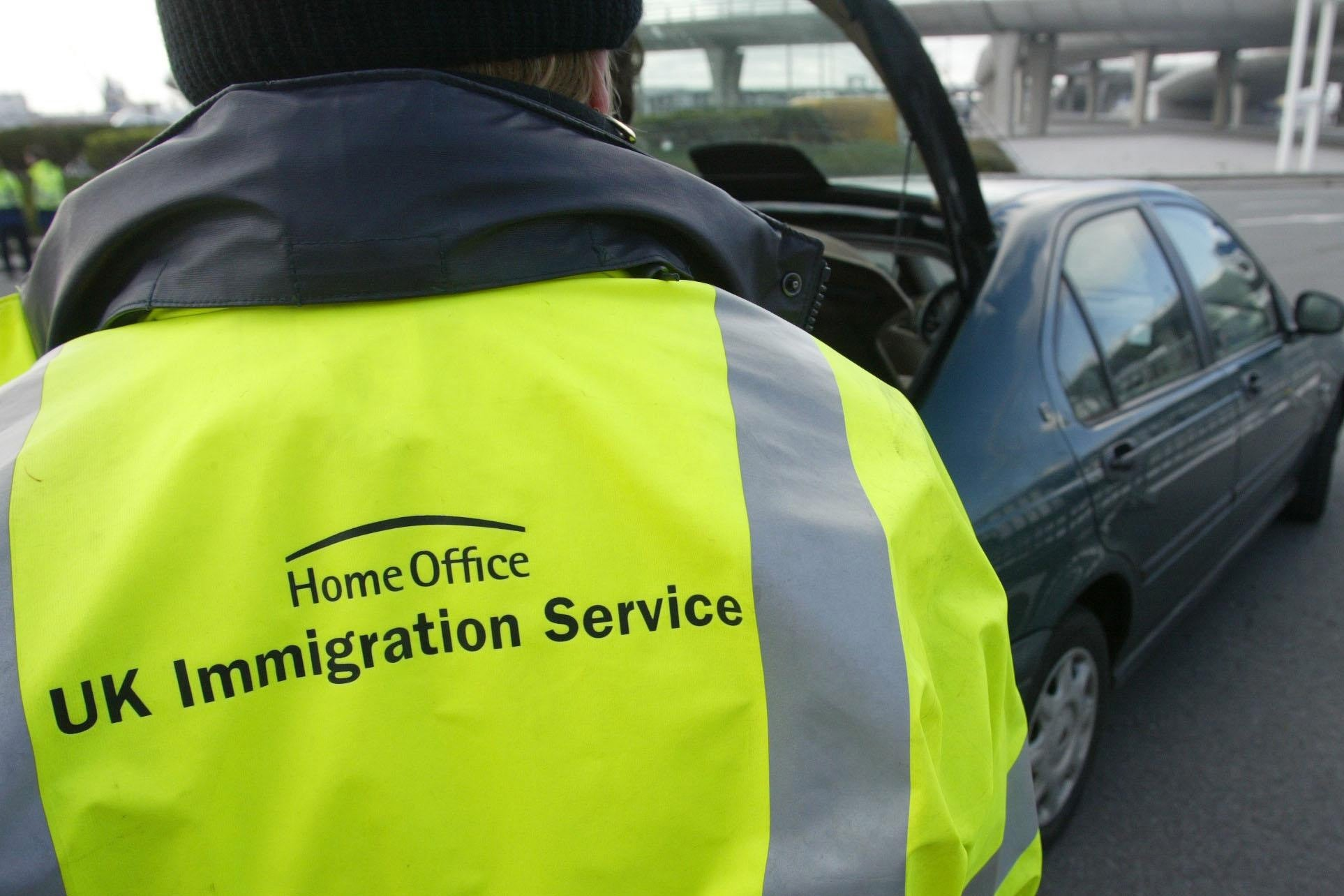 Immigration officers 'rewarded with cake for arresting most illegal immigrants', trade union claims