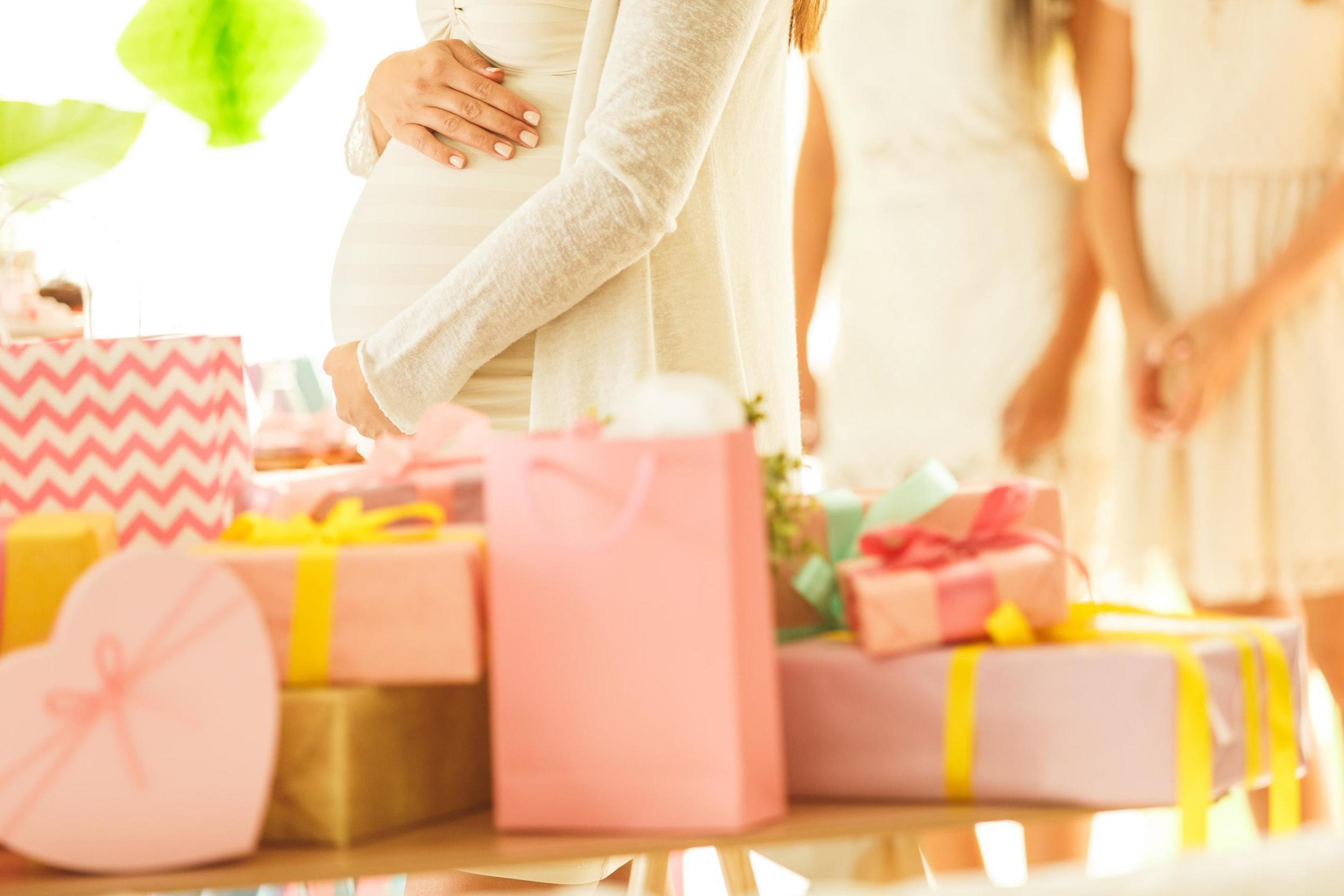 Подарок беременной подруге 30