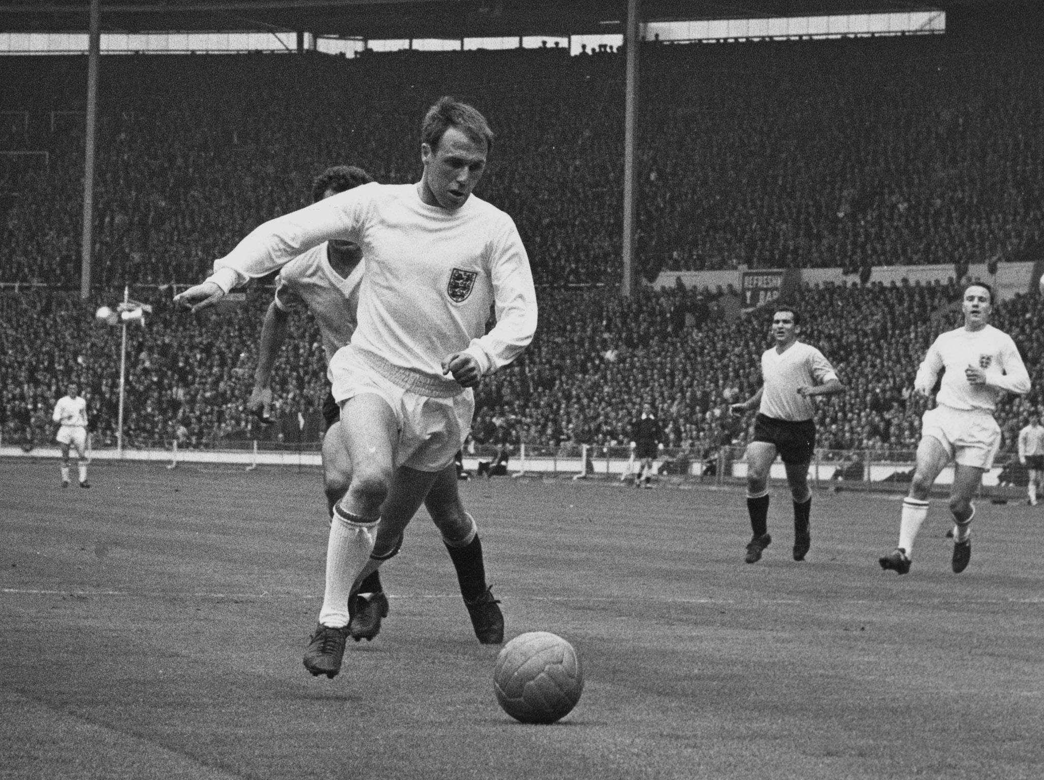 Ray Wilson dead: England World Cup winner and one of the finest left-backs of his generation