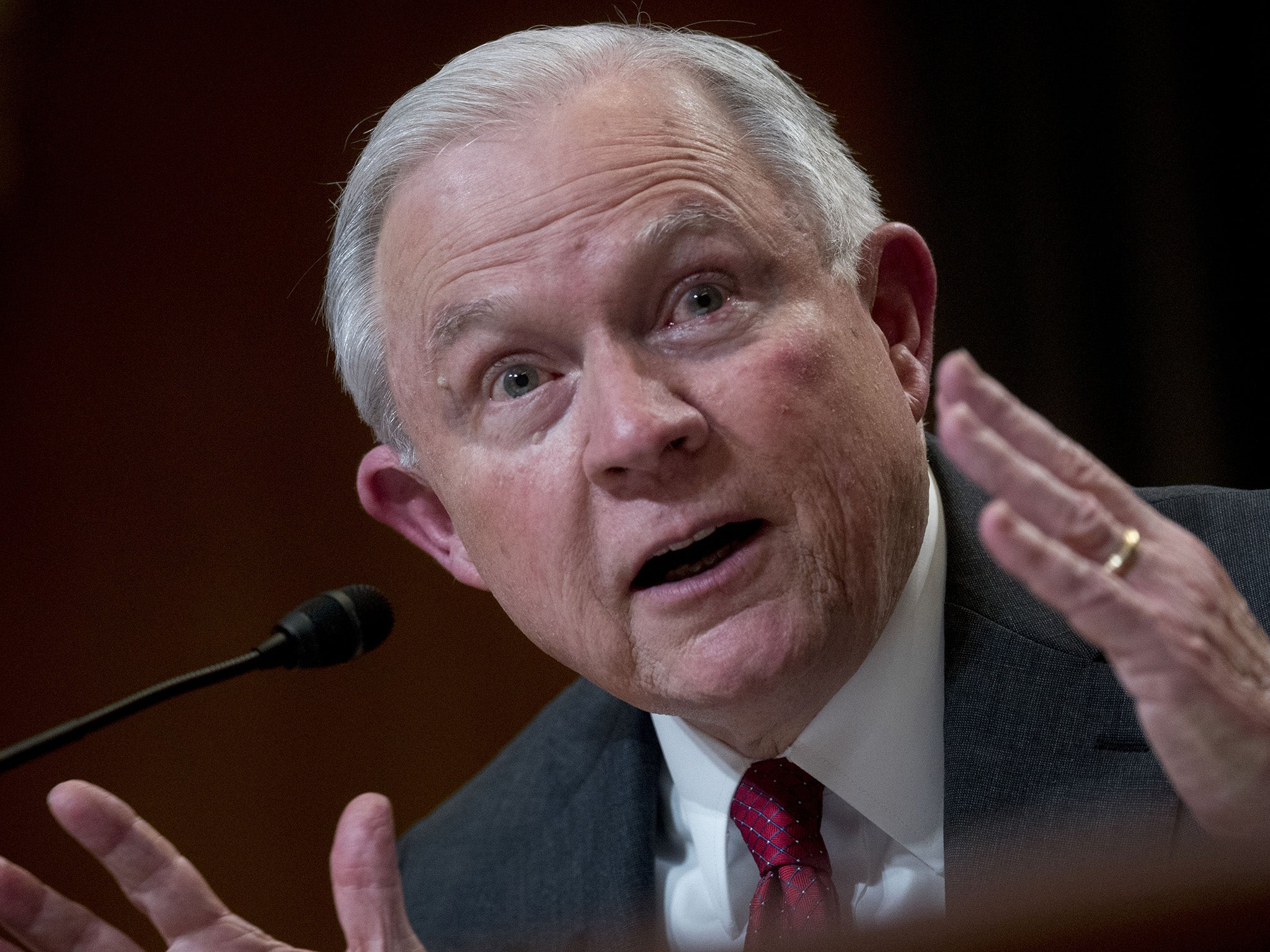 Federal judge threatens to hold Sessions in contempt over deportation