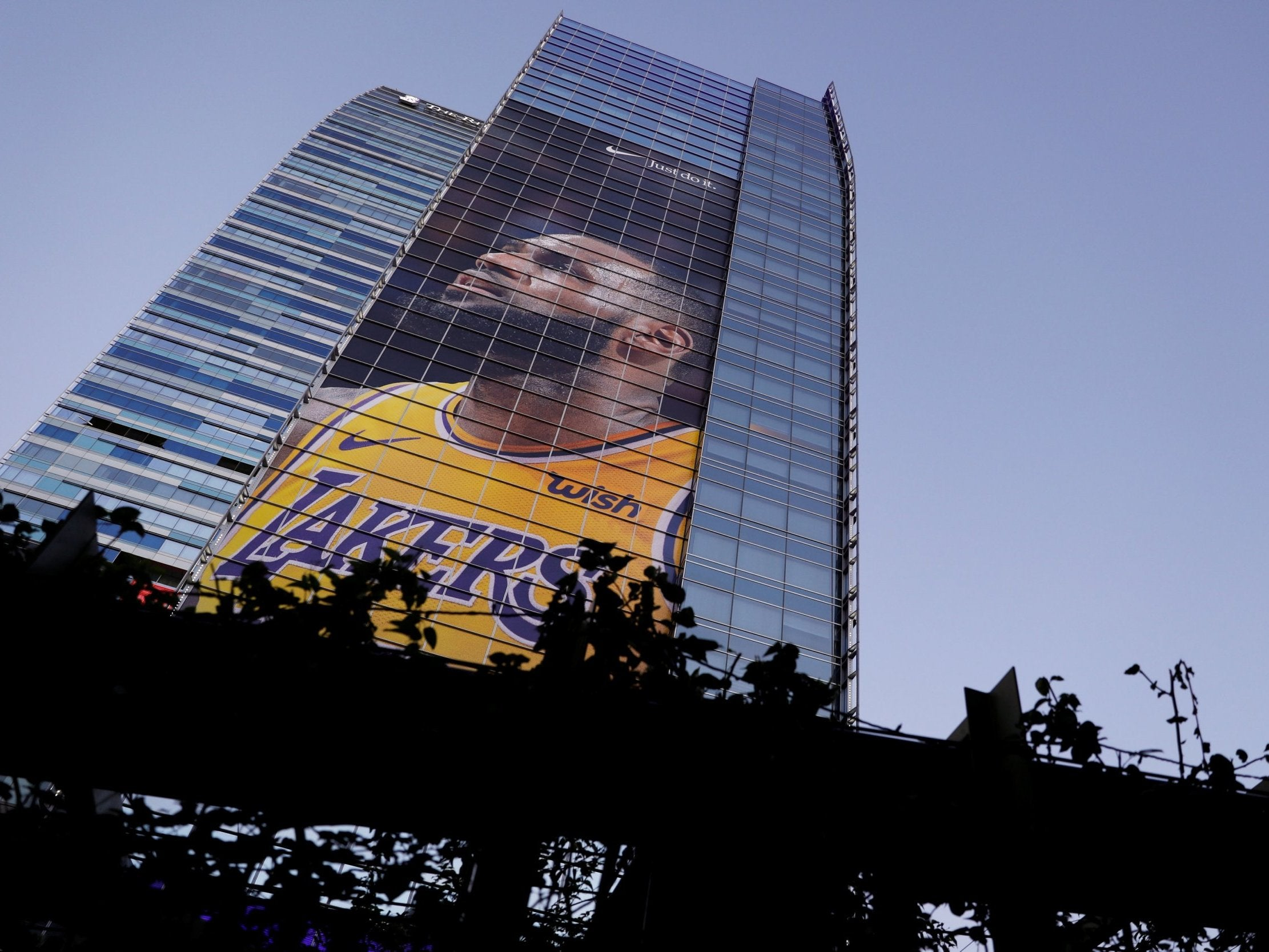 With LeBron James fever taking over LA the Showtime Lakers are back