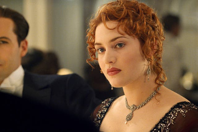 """Kate Winslet does not mind Titanic as a film. Her performance as Rose is a completely different matter. """"Every single scene, I'm like 'really, regtig? You did it like that? Oh my God'. Even my American accent, I can't listen to it. It's awful,"""" she told the Telegraph. """"Hopefully it's so much better now. It sounds terribly self-indulgent but actors do tend to be very self-critical. I have a hard time watching any of my performances, but watching Titanic I was just like, 'Oh God, I want to do that again.'"""""""