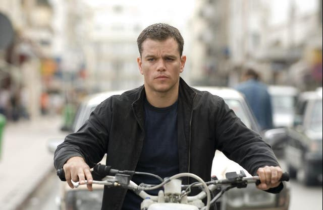 """Matt Damon's original Bourne trilogy won plaudits from critics around the world, with the second instalment featuring on The Independent's """"Films to watch before you die"""" list. Die akteur, wel, has spoken unkindly about the third film, The Bourne Ultimatum, saying the original script, written by director Tony Gilroy, was awful. """"It's really the studio's fault for putting themselves in that position,"""" Damon told GQ. """"I don't blame Tony for taking a boatload of money and handing in what he handed in. It's just that it was unreadable. This is a career-ender. ek bedoel, I could put this thing up on eBay and it would be game over for that dude. It's terrible. It's really embarrassing. He was having a go, basies, and he took his money and left."""""""