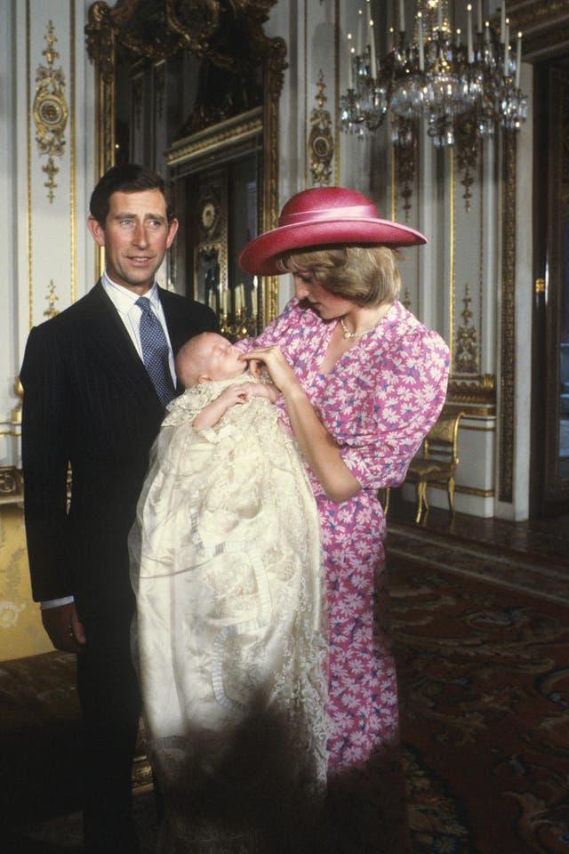 Born 21 Junie 1982 to Charles, Prince of Wales and Diana, Prinses van Wallis