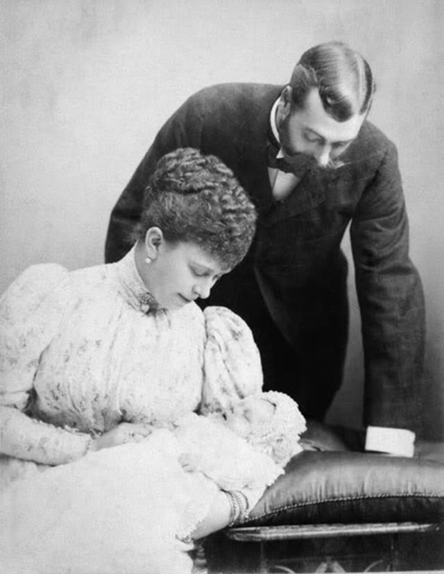 Born 23 Junie 1894 to King George V and Queen Mary