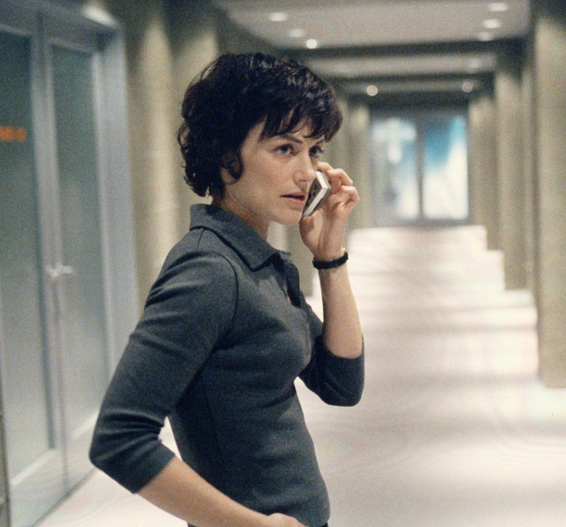 <b>Played by</b>: Sarah Clarke <bl>  24 featured many notable villains over its 10 seasons, but Nina Myers sits top of the list. Hoekom? Because she was first introduced as Jack Bauer's most trusted colleague at intelligence agency CTU before a huge season one finale twist that saw her unveiled as a corrupt deep-cover spy working for the bad guys.