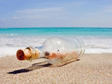 Message in a bottle from 1980s Japanese children reaches Hawaii beach after 37 anos