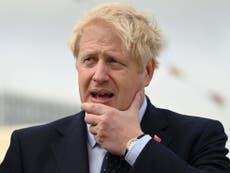 """鲍里斯·约翰逊警告说,他可能会""""不小心""""用带照片的身份证计划剥夺保守党选民的选举权"""